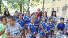 Министър Кралев обяви първите 15 училища, в които ще се изграждат физкултурни салони (СНИМКИ)