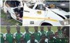 Осем млади футболисти загинаха след падане на автобус в река в Гана