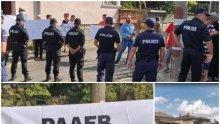 """НЕЖЕЛАН: Освиркаха Радев в Свищов! Разединителят на нацията посрещнат с викове и плакати  """"Оставка!"""" и """"Вън!"""" (ВИДЕО)"""