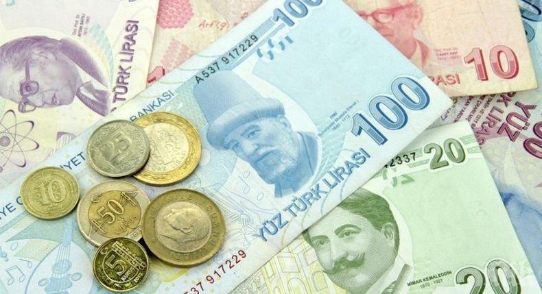 Турската лира с поредно рекордно дъно