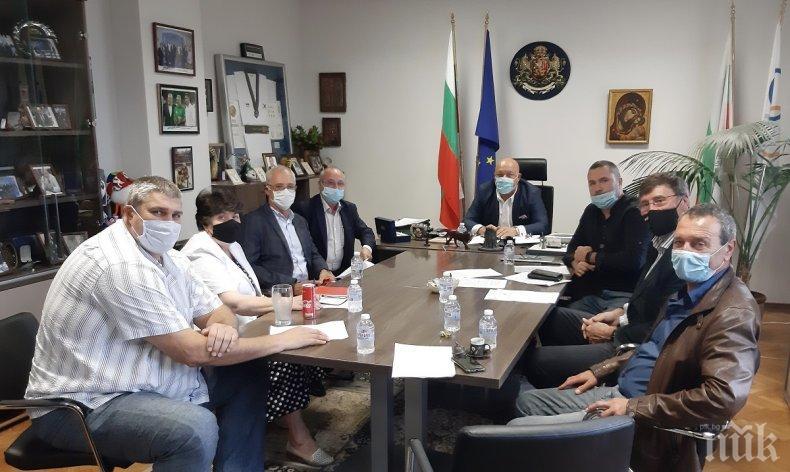 Министър Кралев утвърди указанията за прилагане на противоепидемични мерки в закрити спортни обекти (ДОКУМЕНТИ)