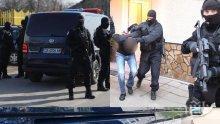 ИЗВЪНРЕДНО В ПИК TV: Мощна акция на спецпрокуратурата срещу ромската мафия - двама цигански барони са сред 14-те арестувани (ВИДЕО)