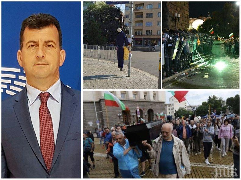 """Асим Адемов с безпощаден коментар за поредното """"въстание"""" на метежниците: Сценарият е на РР, продуцентите са дубайски и белградски"""