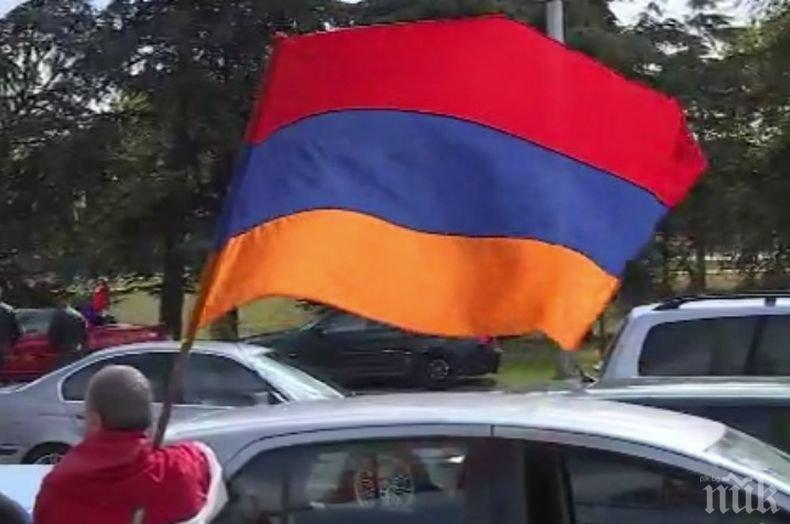 Арменците от Варна проведоха мирно автошествие за спиране на конфликта в Нагорни Карабах
