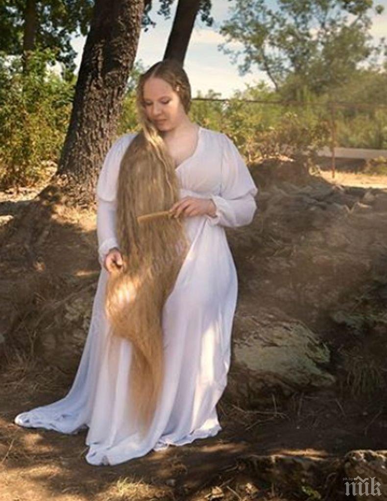 Съвременната Рапунцел: 31-годишната Стефани с коса дълга 179 см (СНИМКИ)