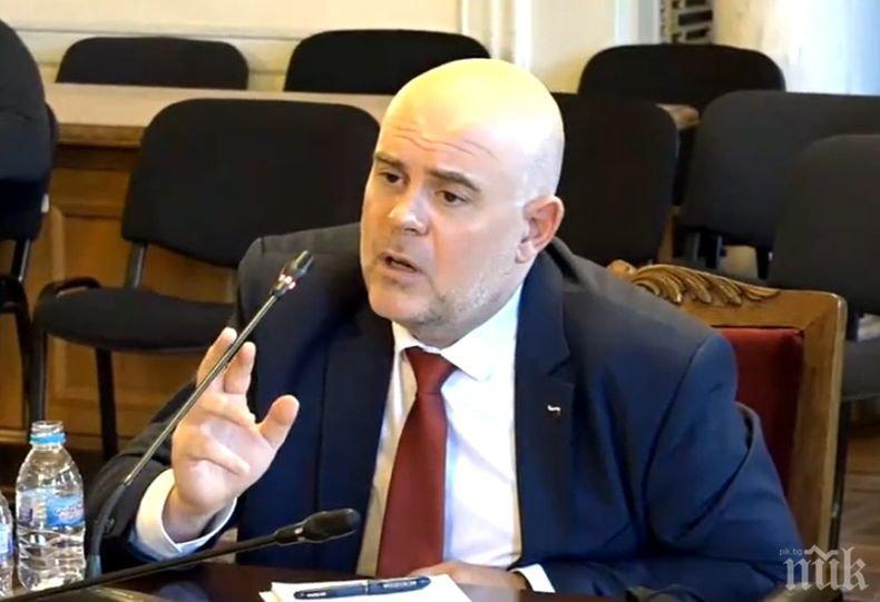 ГОРЕЩО В ПИК: И главният прокурор Иван Гешев под карантина заради контакт със заразен