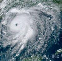ПАНИКА: Тропическата буря