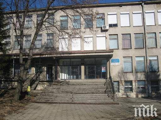 Преместиха пациентите с COVID-19 от болницата във Велики Преслав - лекарите още не са се върнали на работа