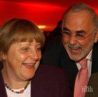 Почина най-известният фризьор в Германия, който се грижеше за прическата на Ангела Меркел