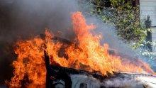 Кола се запали след катастрофа в монтанско село, шофьорът пострада