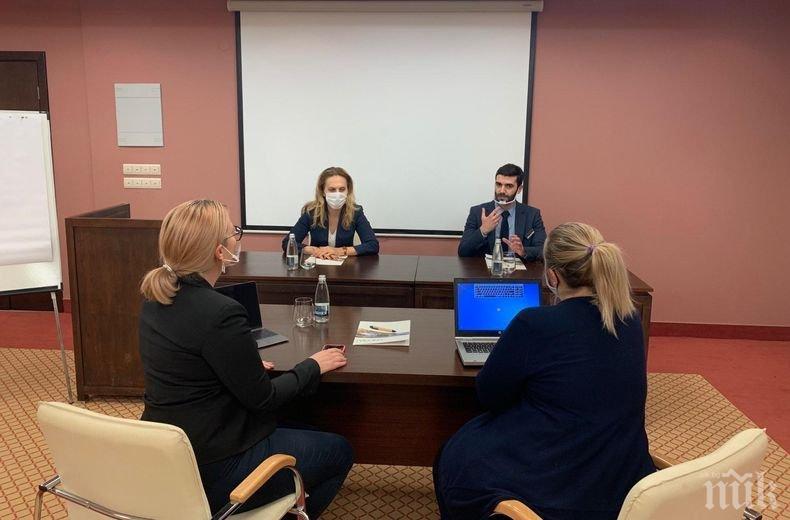 Вицепремиерът Марияна Николова разговаря с представителите на бизнеса във Велинград (СНИМКИ)
