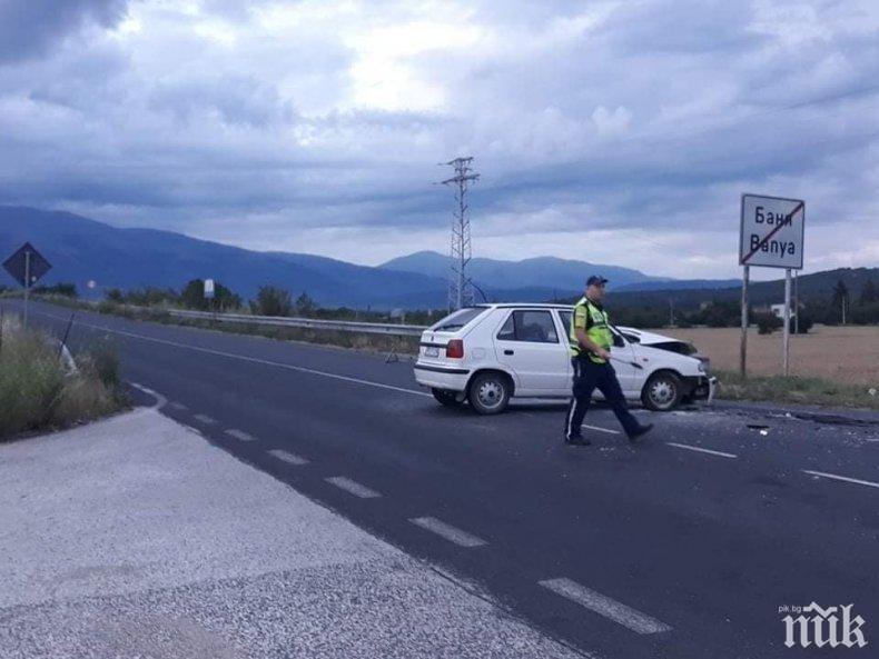 Дете пострада при катастрофа на пътя Карлово-Баня