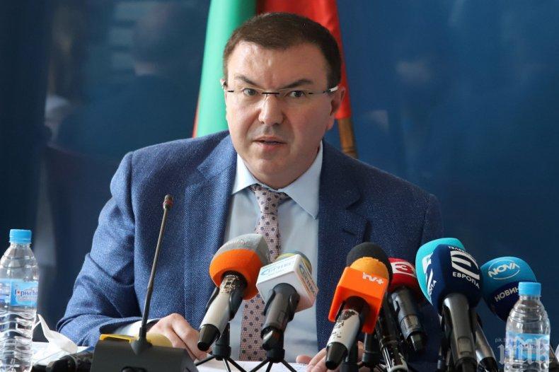 Здравният министър проф. Ангелов за загубата на проф. Чирков: Днес си отиде един от най-големите сред нас