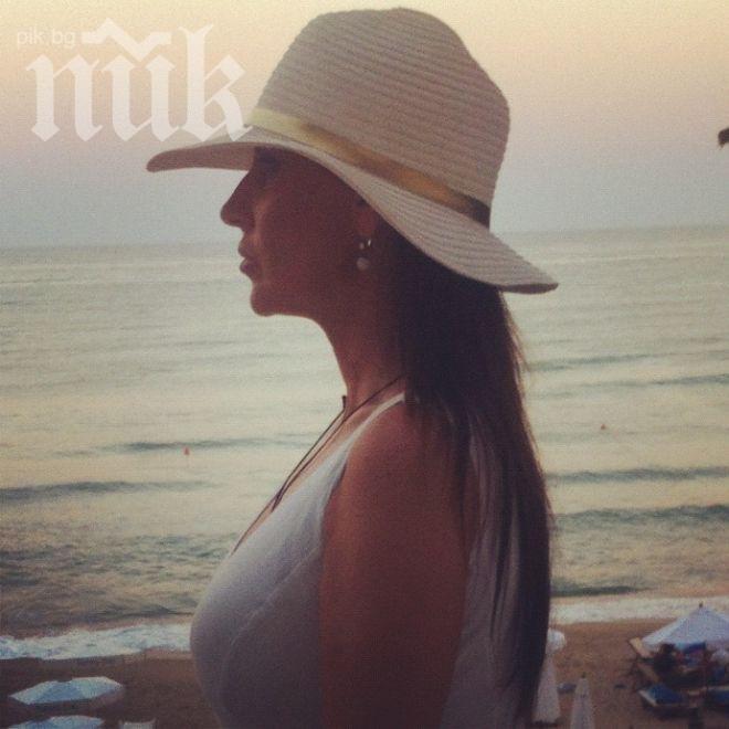 Илиана Раева на морето: Време е за глътка морска свежест (снимка)