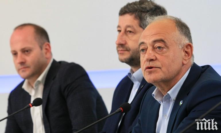 Доц. Антоний Гълъбов за ПИК: ДСБ в новия Съюз на незнайните сили. Атанасов като ехо на Румен Радев