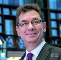 """Изпълнителният директор на """"Пфайзер"""" с призив да не се отпускат мерките заради ваксините"""
