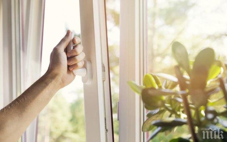 ВНИМАНИЕ, ДОМАКИНИ: Прозорците ви ще заблестят от чистота само с 5 капки от тази течност