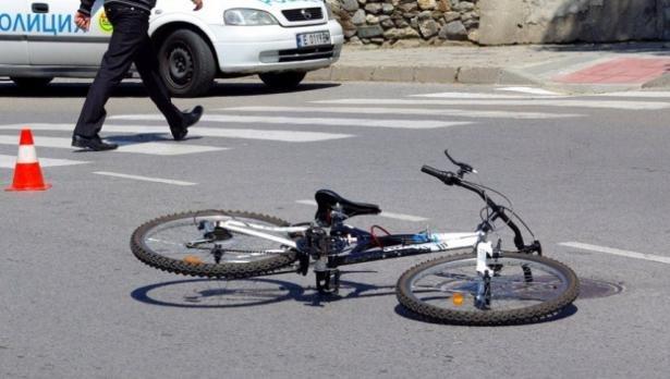 Велосипедистка от Пловдив се заби в БМВ