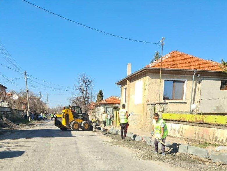 Започна ремонтът на пътя Асеновград - Кърджали (СНИМКИ)
