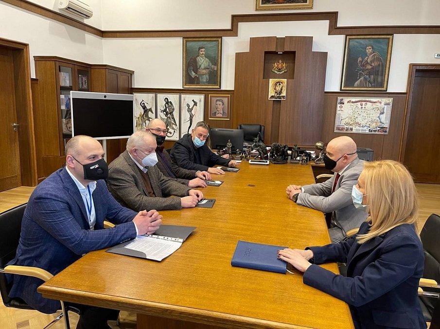 ПЪРВО В ПИК: Главният прокурор Иван Гешев се срещна с ръководството на Камарата на строителите в България
