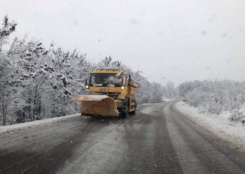 АПИ: Пътувайте подготвени за зимни условия в Смолянско