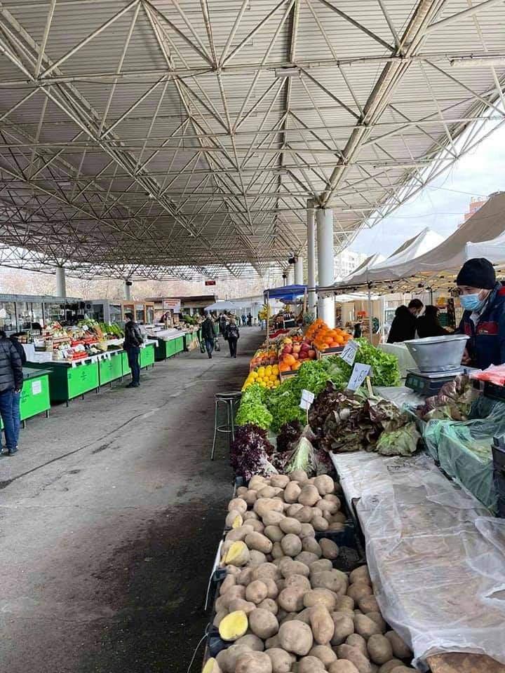 Пазарът на Красно село стриктно спазва мерките