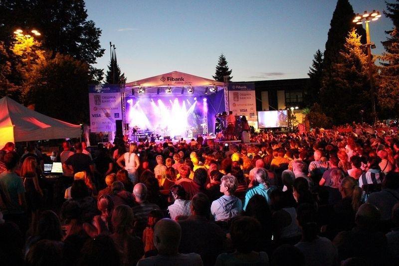 Кметът на Банско иска жената на основателя да движи джаз феста