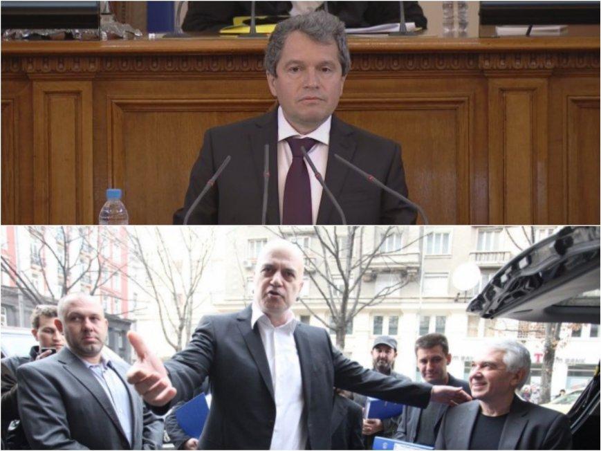 Партията на Трифонов почна с лъжите: Отрекоха се от мажоритарния вот и предадоха референдума си (ВИДЕО)