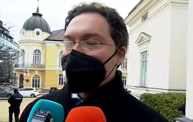 ИЗВЪНРЕДНО В ПИК TV: Предложеният от ГЕРБ за премиер Даниел Митов с първи думи преди старта на Народното събрание (ОБНОВЕНА)