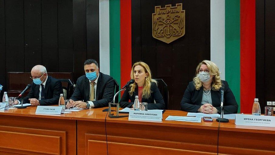 Марияна Николова пред туристическия бизнес и контролните органи във Варна: Важно е да гарантираме сигурно и безопасно лято на туристите