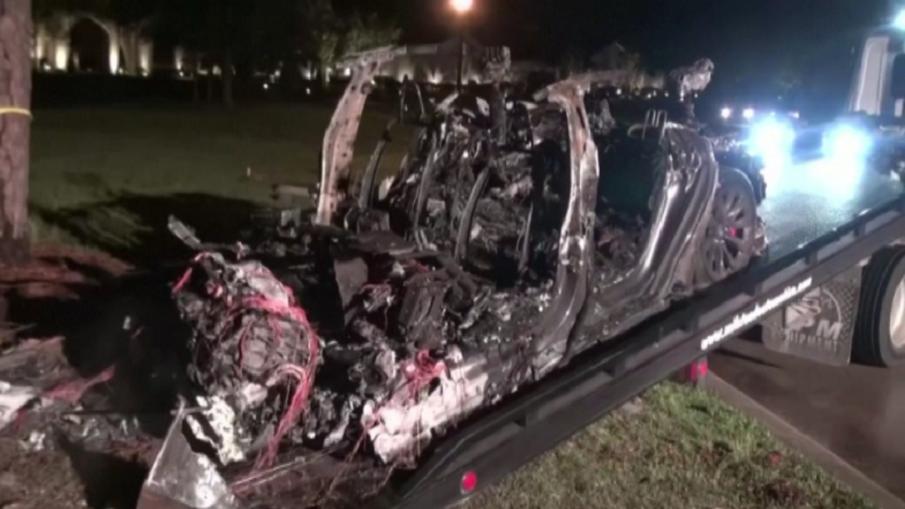 ИНЦИДЕНТ: Безпилотен автомобил Тесла катастрофира, има загинали