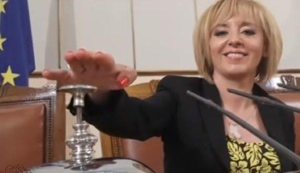 Манолова след тежката диагноза през 2016 г.: Обещах в черквата, че ако имам шанс да оздравея, няма да се занимавам повече с политика (ВИДЕО)