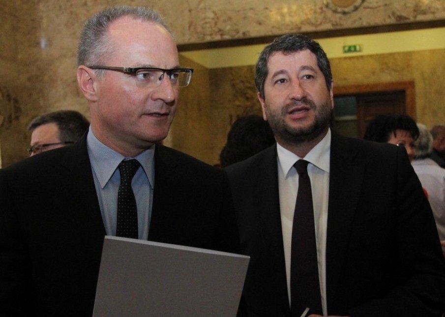 УРЕДИХА ГИ: Лозан Панов става политик с помощта на Бабикян и ДеБъ