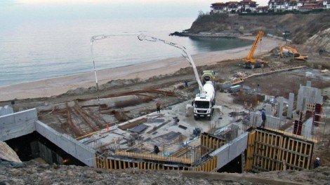 Инспекцията по труда погва строителите по морето