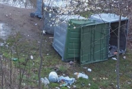 Центърът на село край Кюстендил заринат с боклуци - прокуратурата се самосезира