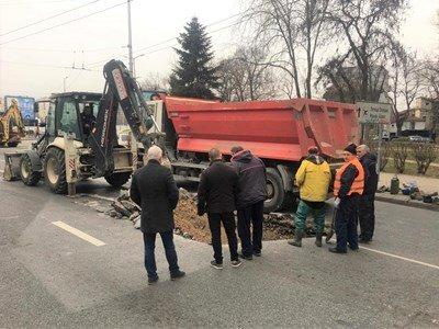 Гръмна магистрален водопровод в Пловдив, десетки са на сухо