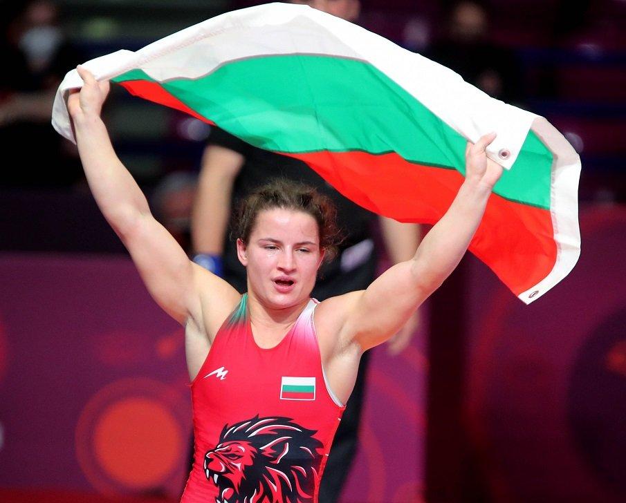 СТРАХОТЕН УСПЕХ: Биляна Дудова триумфира с пета европейска титла