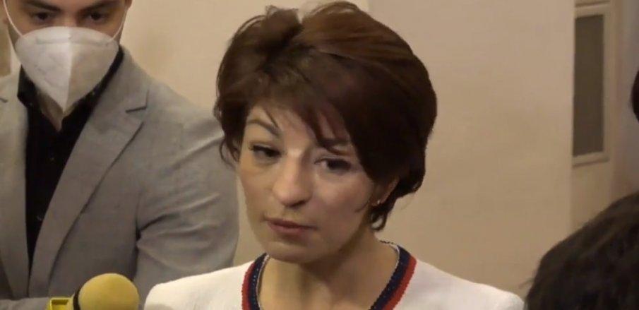 ПИК TV: Десислава Атанасова в декларация: Няма да позволим да се опорочи вота - нека гарантираме, че изборите ще са честни (ВИДЕО/НА ЖИВО)