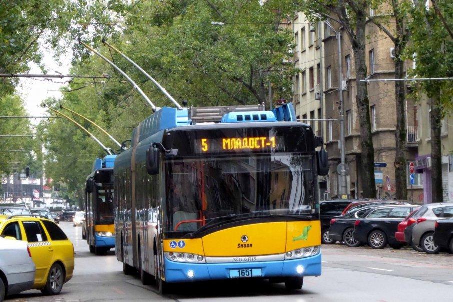 Плащаме с банкова карта билети за градския транспорт в София от днес