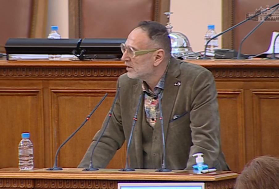 ПИК TV: Любен Дилов за продължаващото заседание в НС: Вече е Разпети петък, то е ясно, че ще горим в ада