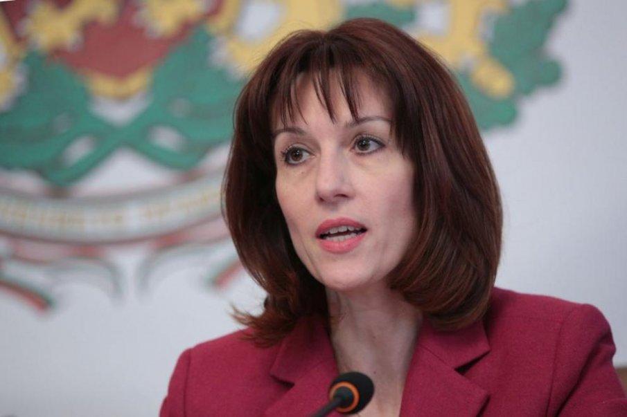 Камелия Нейкова: Повече изборни секции в чужбина и машинно гласуване