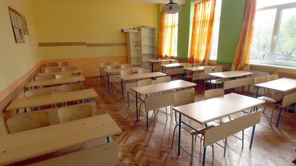 Учениците от 7-и, 8-и и 10-и клас се връщат в клас