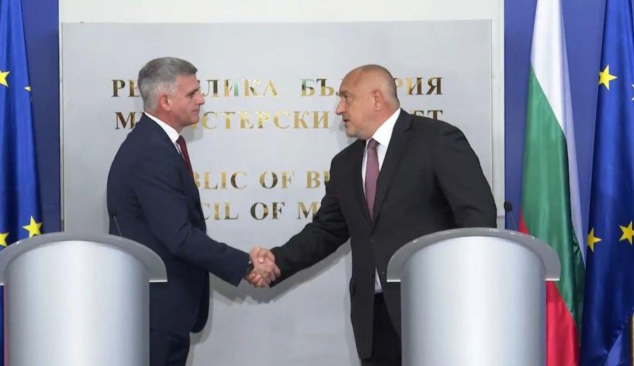 ИЗВЪНРЕДНО В ПИК TV: Борисов с първи думи към служебните министри: Основна цел пред кабинета сега е да организира честни и прозрачни избори (ВИДЕО)