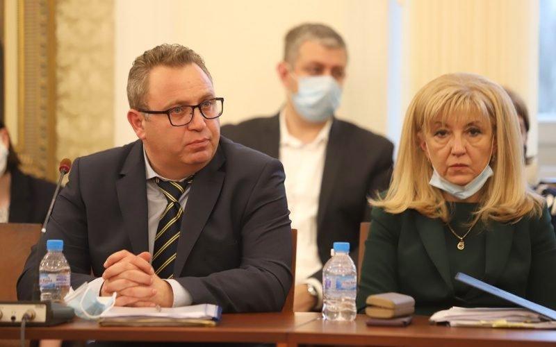Комисията Манолова ще изслушва Петя Аврамова - Информационна агенция ПИК