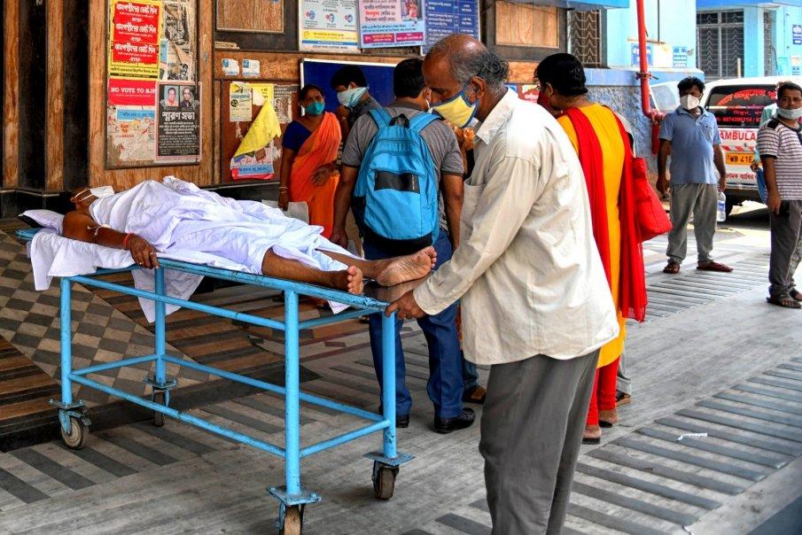 НЯМА СПИРКА: Над 80 800 новозаразени с коронавируса в Индия за денонощие