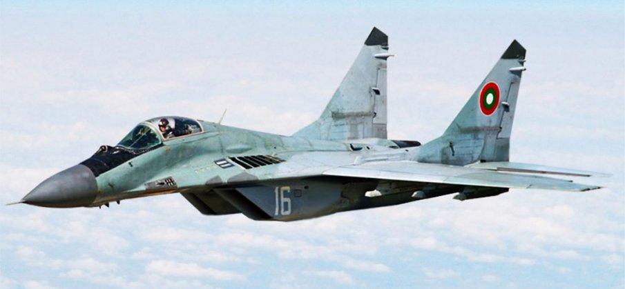 Продължава издирването на пилота майор Валентин Терзиев