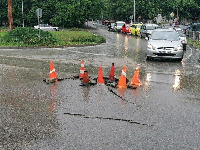 Порой наводни Велико Търново и повреди пътя София-Варна