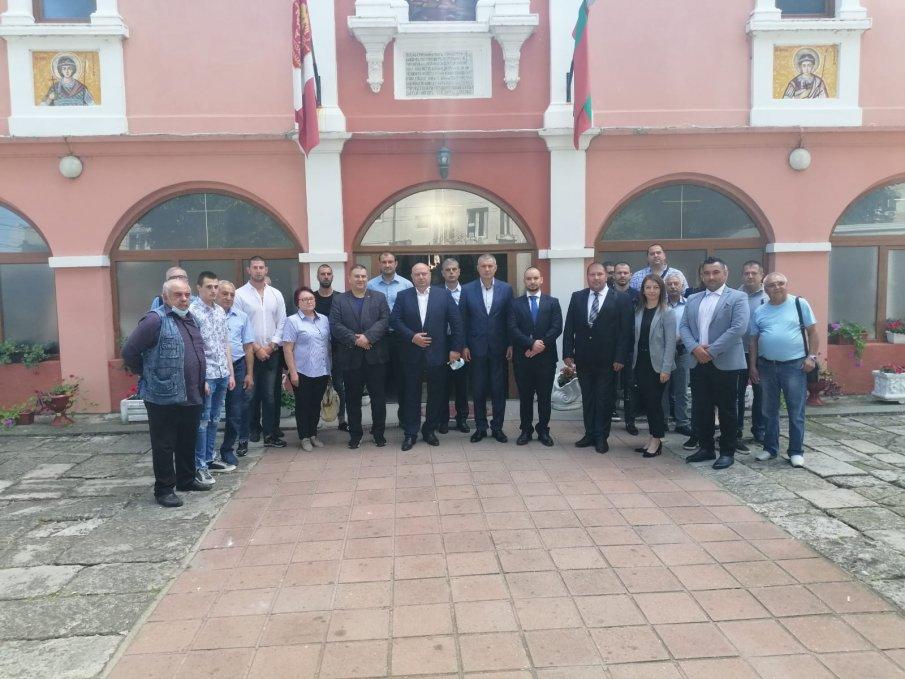 С тържествен водосвет коалиция ГЕРБ-СДС откри предизборната си кампанияв Силистра