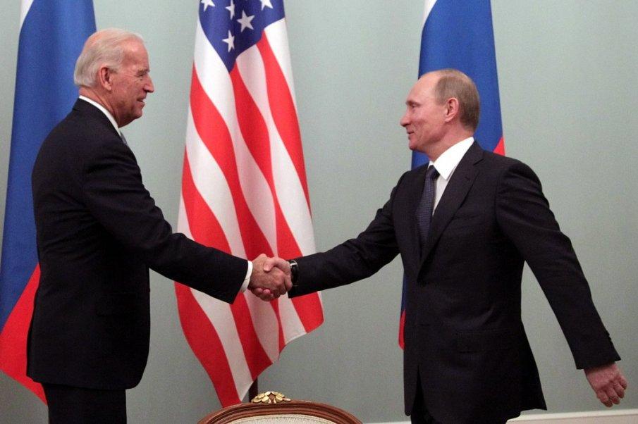Тръмп прати много поздрави на Путин по Байдън