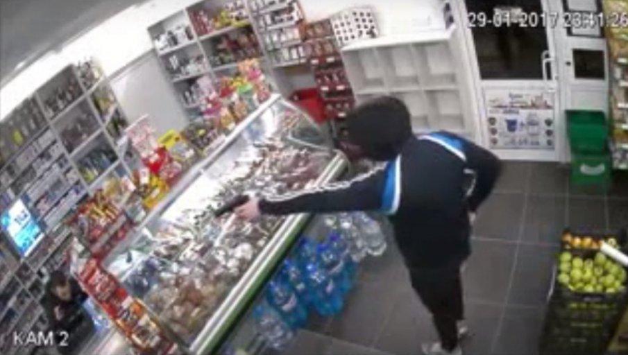 Задържаха въоръжени тийнейджъри, ограбили магазин във Варна